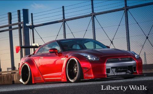 Nissan-GT-R-New-Body-Kit-Parts-Released-By-Liberty-Walk-12