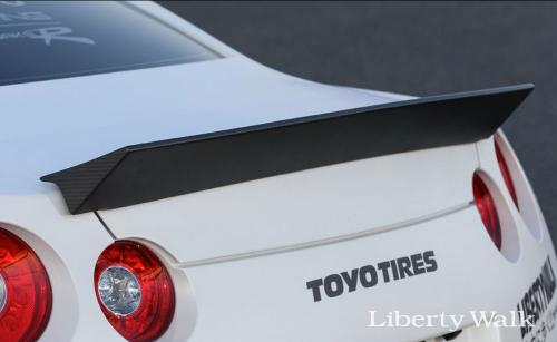 Nissan-GT-R-New-Body-Kit-Parts-Released-By-Liberty-Walk-6